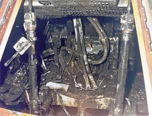 """Фото NASA S-67-21294. Командный модуль """"Аполлона-1"""" после пожара"""