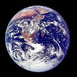Фото NASA AS17-148-22726 (фрагмент). Вид Земли с траектории Земля-Луна.